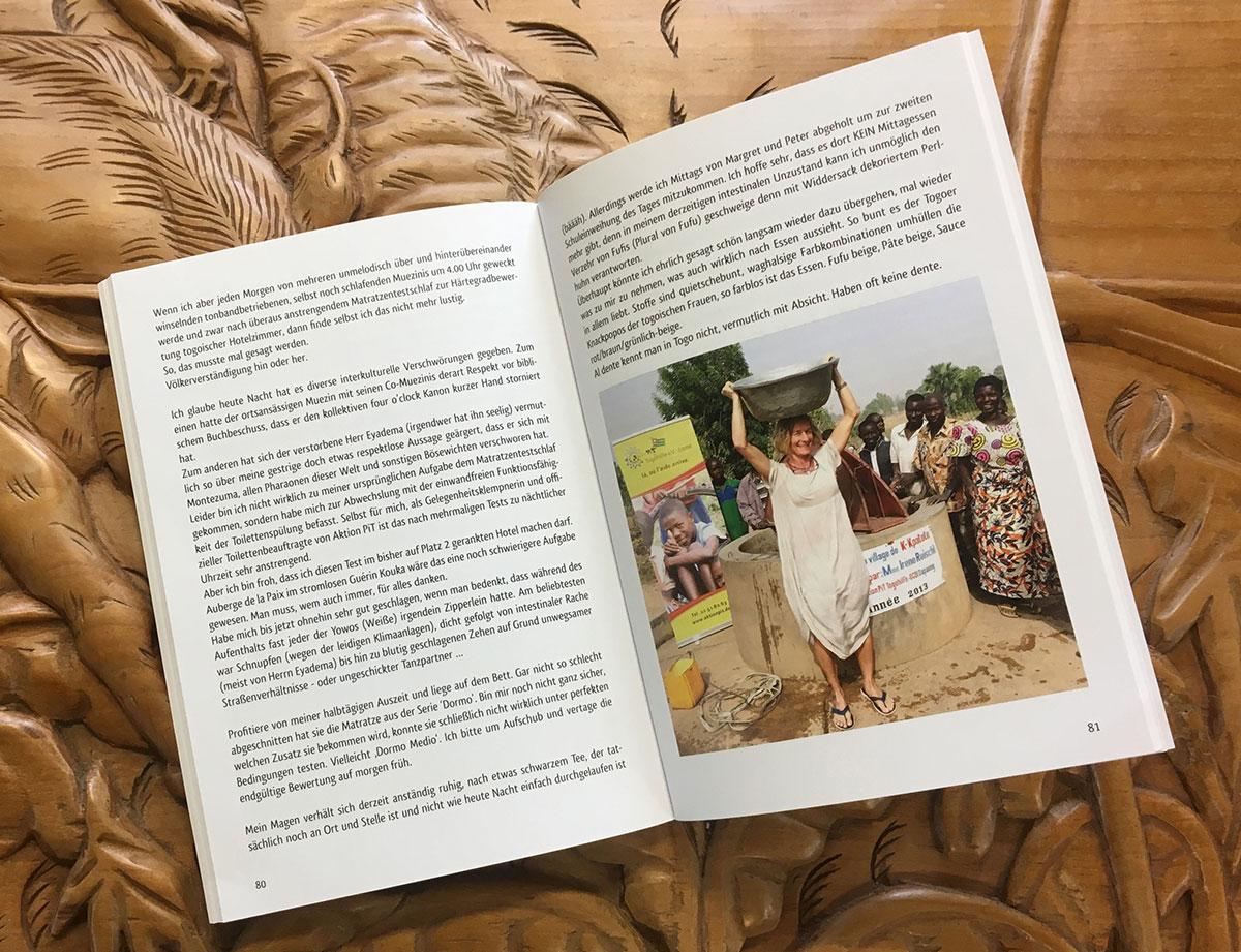 """Innenseiten mit Farbbildern des Buches """" Nie wieder hintern Busch"""" von Barbara Zinstag"""