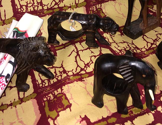 Serviettenhalter - Löwe, Leopard und Elefant