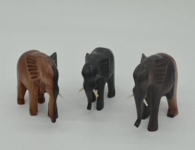 Elefanten geschnitzt aus Holz