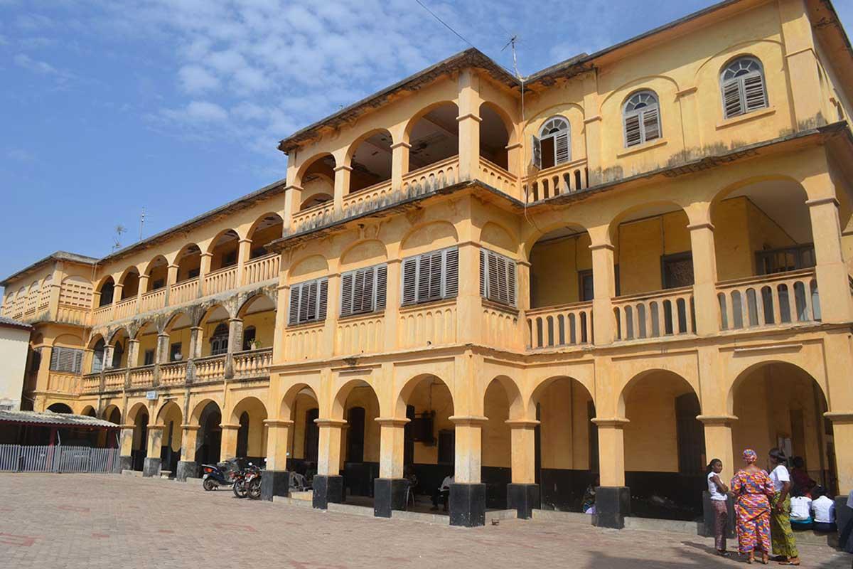 Ein Gebäude aus der deutschen Kolonialzeit in Lomé