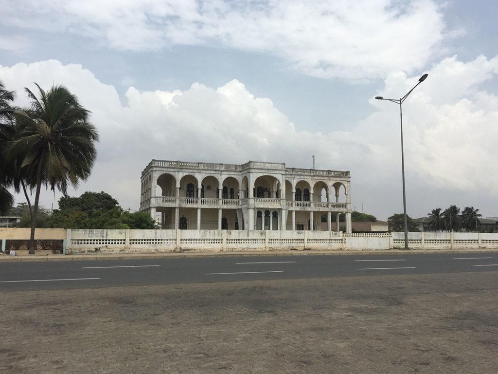 Der Gouverneurspalast in Lome aus der deutschen Kolonialzeit.