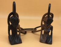 Afrikanische Hochzeitskette aus Togo. Aus einem Stück Ebenholz geschnitzt.