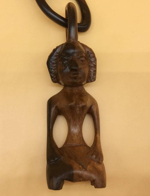Die Frau der afrikanischen Hochzeitskette