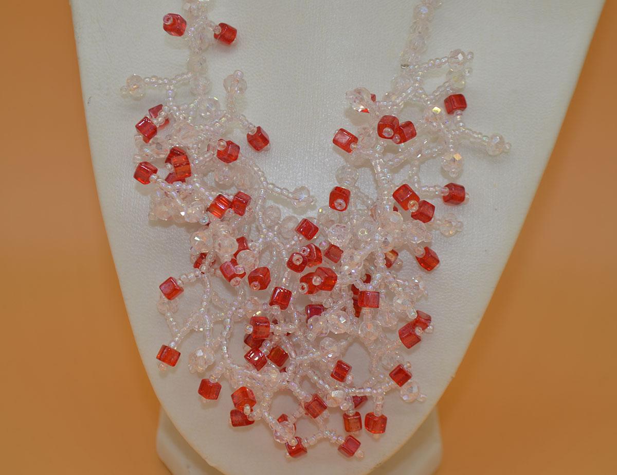 Kette mit Verästelungen in rot und transparent